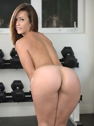 Nude Girls Gym
